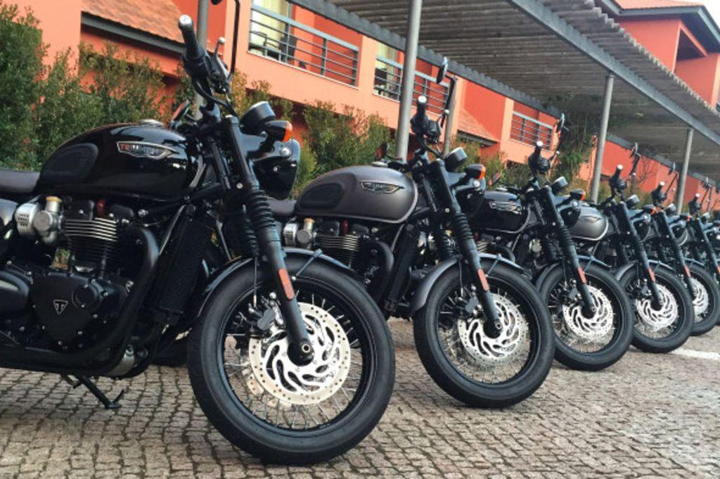 xehay-triumph-bonneville-t120-black-250516-6